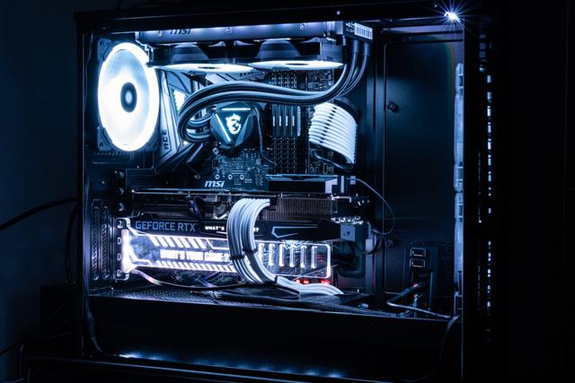 光る自作PC